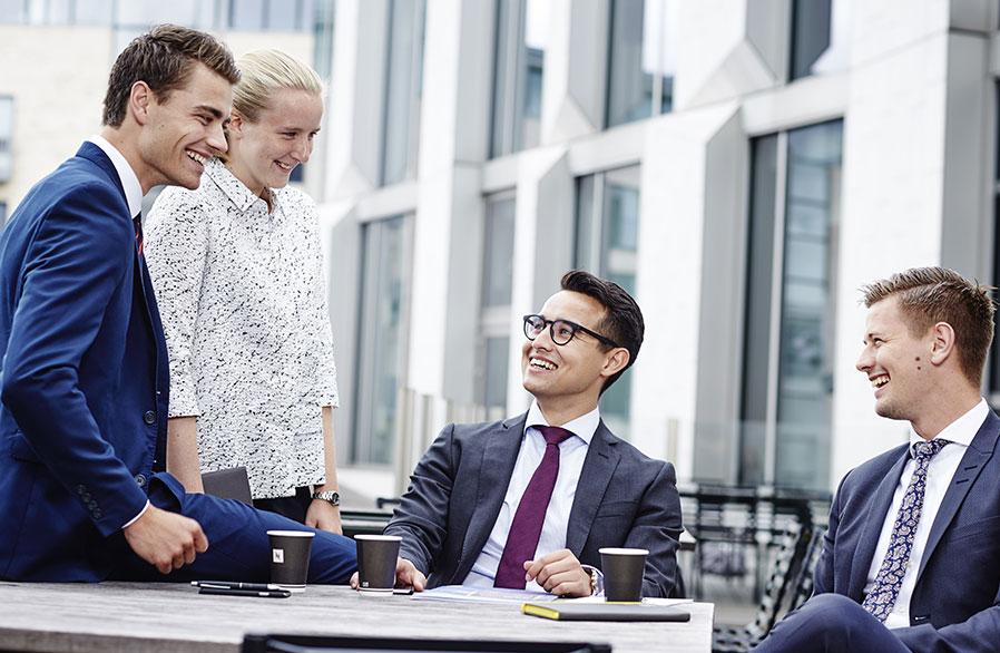 Revisortrainee i EY - HHX, STX eller finansøkonom | Jobindex